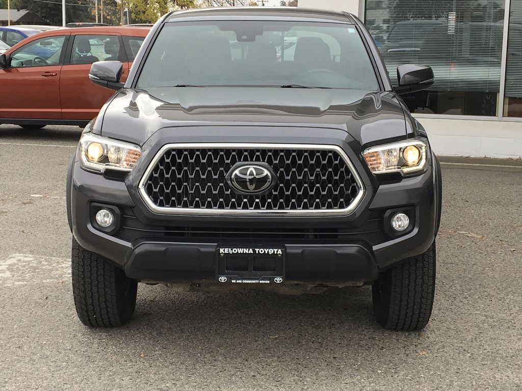Gray[Cement Grey Metallic] 2018 Toyota Tacoma TRD Off Road Front Vehicle Photo in Kelowna BC