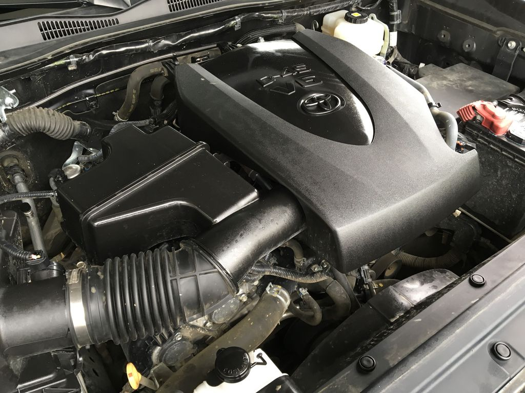 Gray[Cement Grey Metallic] 2018 Toyota Tacoma TRD Off Road Engine Compartment Photo in Kelowna BC