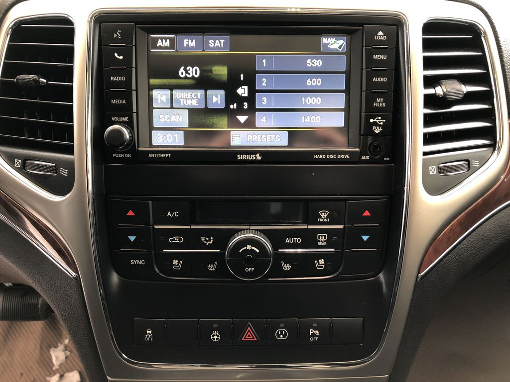Blue[True Blue Pearl] 2013 Jeep Grand Cherokee Central Dash Options Photo in Edmonton AB