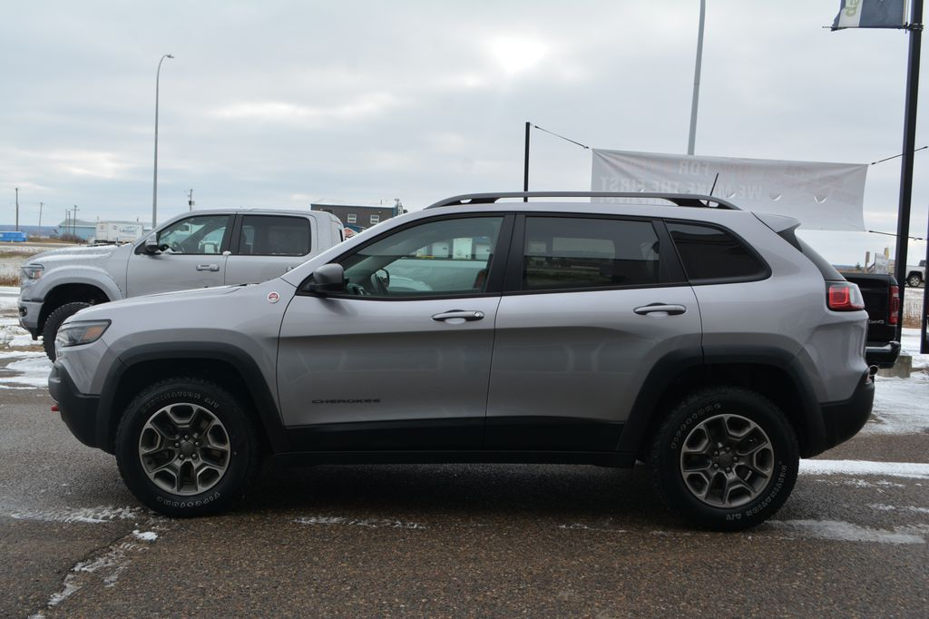 Silver 2020 Jeep Cherokee Left Side Photo in Bonnyville AB