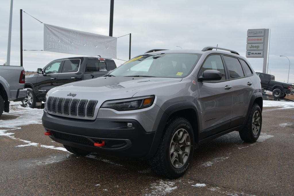 Silver 2020 Jeep Cherokee Left Front Corner Photo in Bonnyville AB