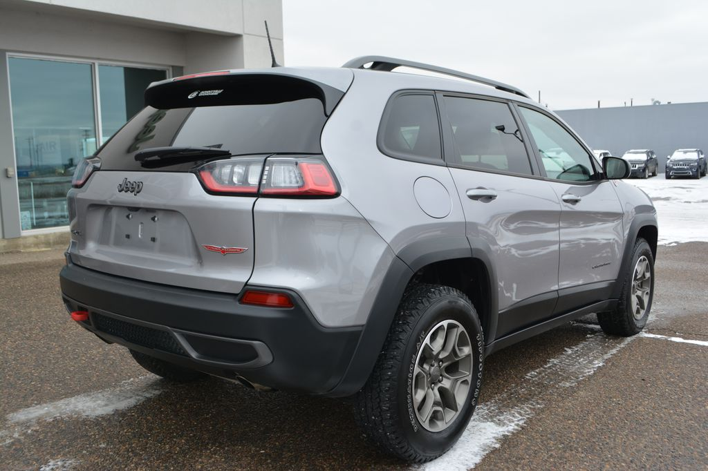 Silver 2020 Jeep Cherokee Right Rear Corner Photo in Bonnyville AB