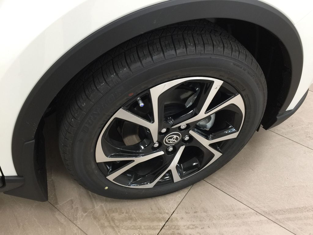 Black[Black Sand Pearl w/Silver Roof] 2021 Toyota C-HR XLE Premium Right Front Rim and Tire Photo in Sherwood Park AB