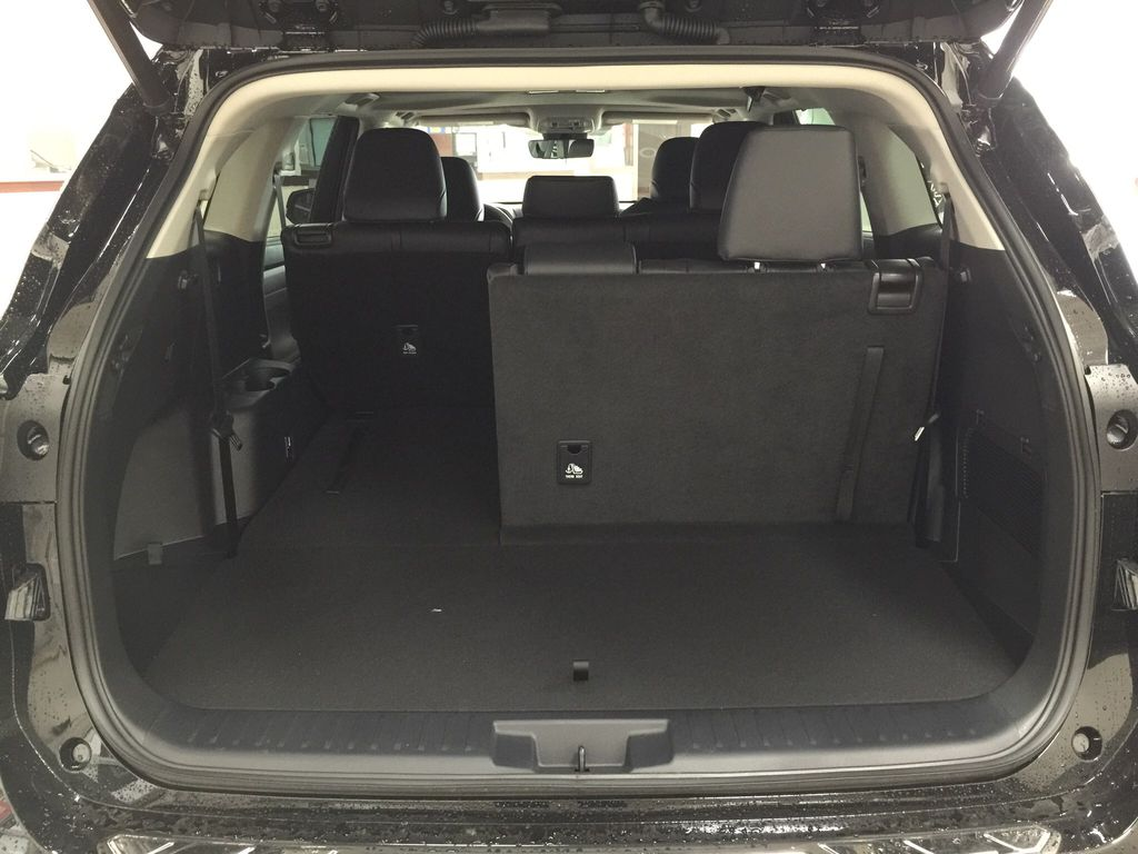Black[Midnight Black Metallic] 2020 Toyota Highlander XLE Cargo Area/Rear Seats Photo in Sherwood Park AB