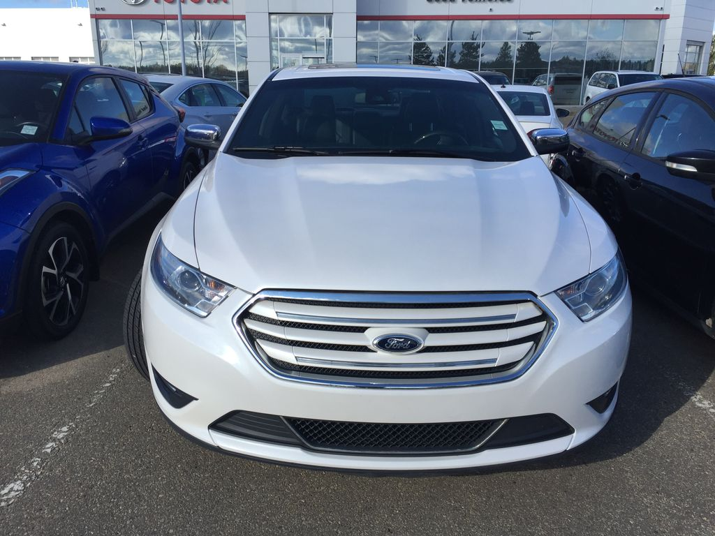 White[White Platinum Metallic Tri-Coat] 2013 Ford Taurus Limited AWD Left Side Photo in Sherwood Park AB
