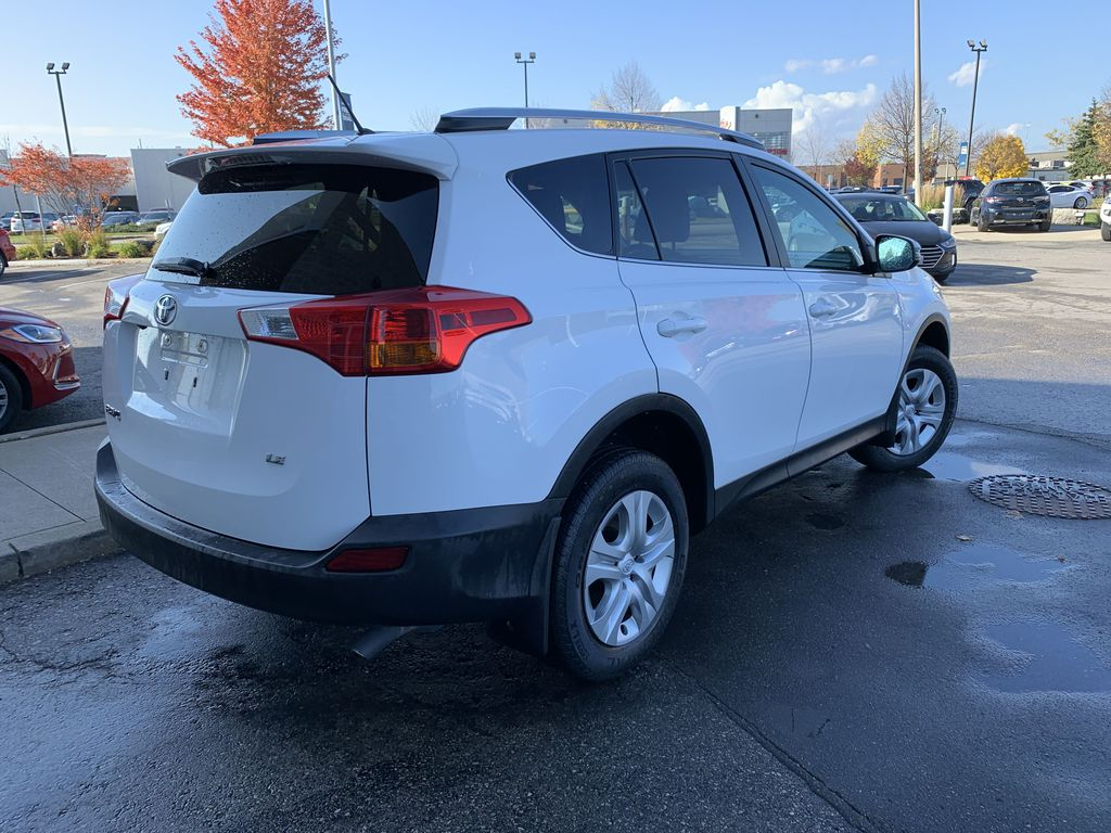 White 2015 Toyota RAV4 Sunroof Photo in Brampton ON