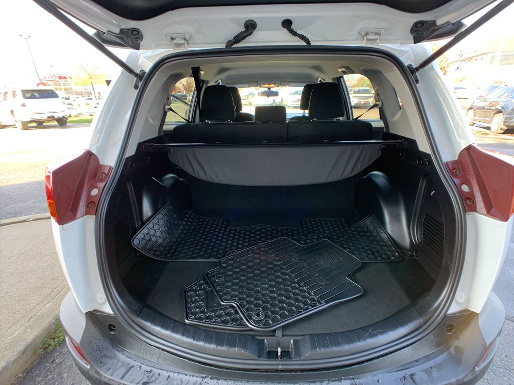White 2015 Toyota RAV4 Center Console Photo in Brampton ON