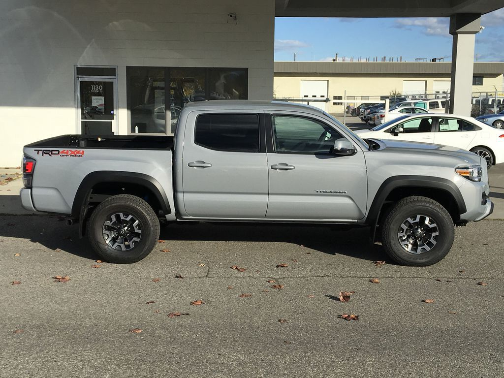 Gray[Cement] 2021 Toyota Tacoma TRD Off Road Right Side Photo in Kelowna BC
