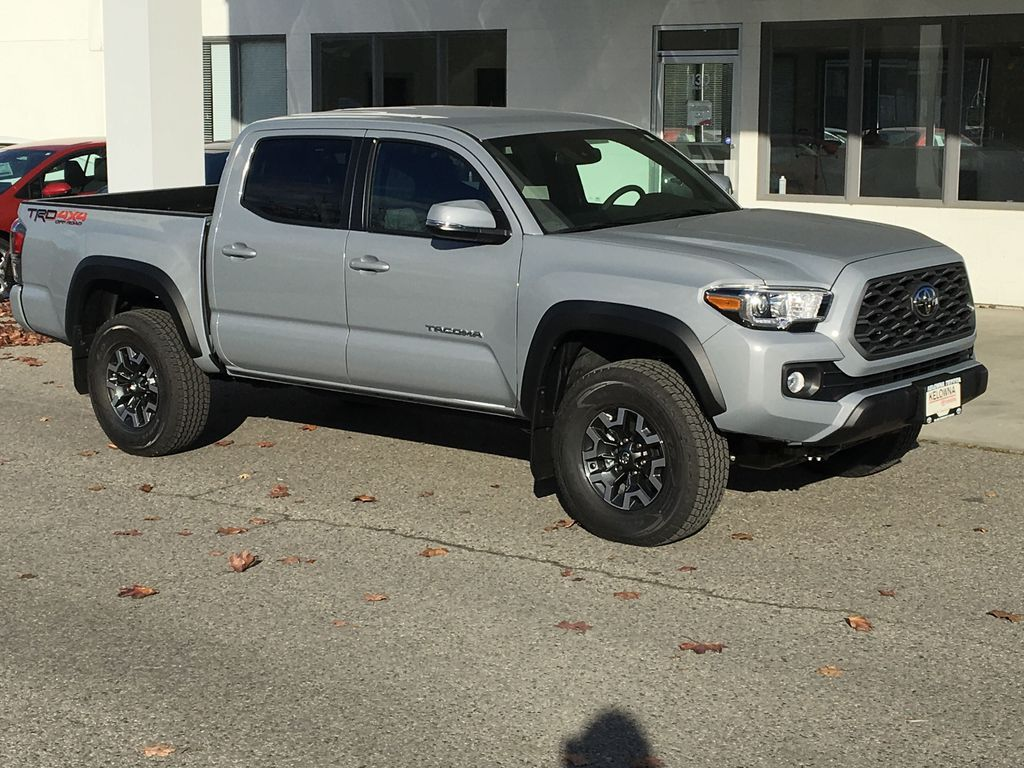 Gray[Cement] 2021 Toyota Tacoma TRD Off Road Right Front Corner Photo in Kelowna BC