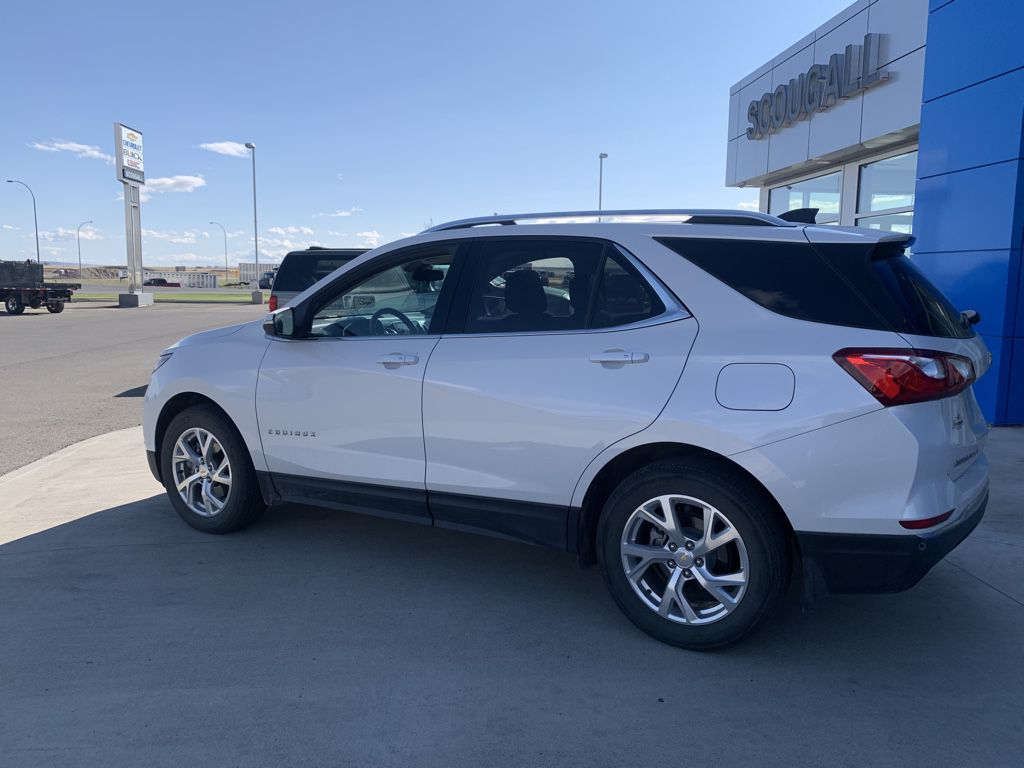 White[Iridescent Pearl Tricoat] 2018 Chevrolet Equinox Driver's Side Door Controls Photo in Fort Macleod AB