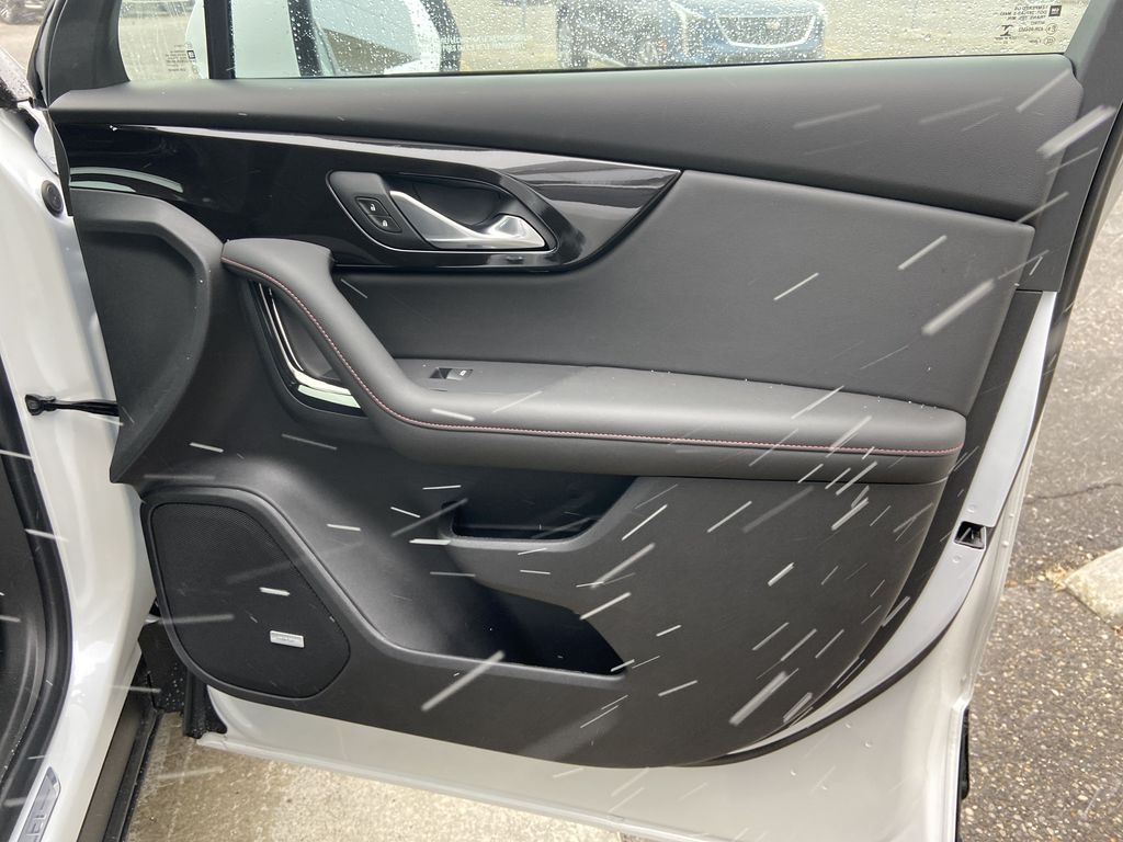 White[Iridescent Pearl Tricoat] 2021 Chevrolet Blazer RS Right Front Interior Door Panel Photo in Calgary AB