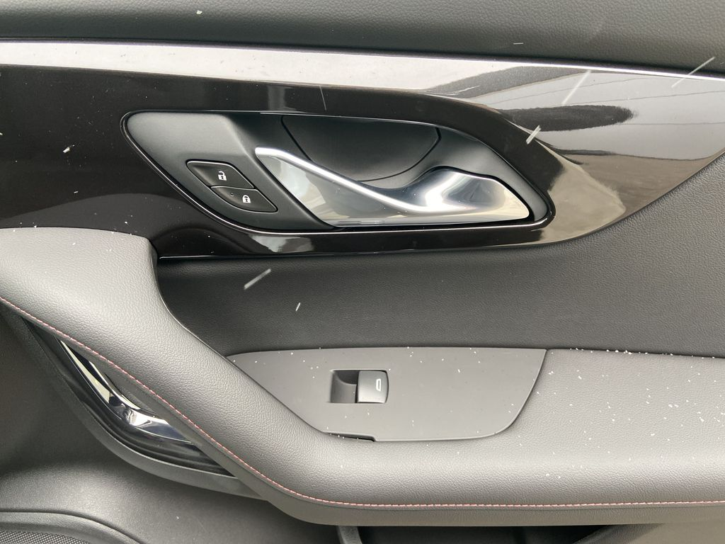White[Iridescent Pearl Tricoat] 2021 Chevrolet Blazer RS Passenger Front Door Controls Photo in Calgary AB