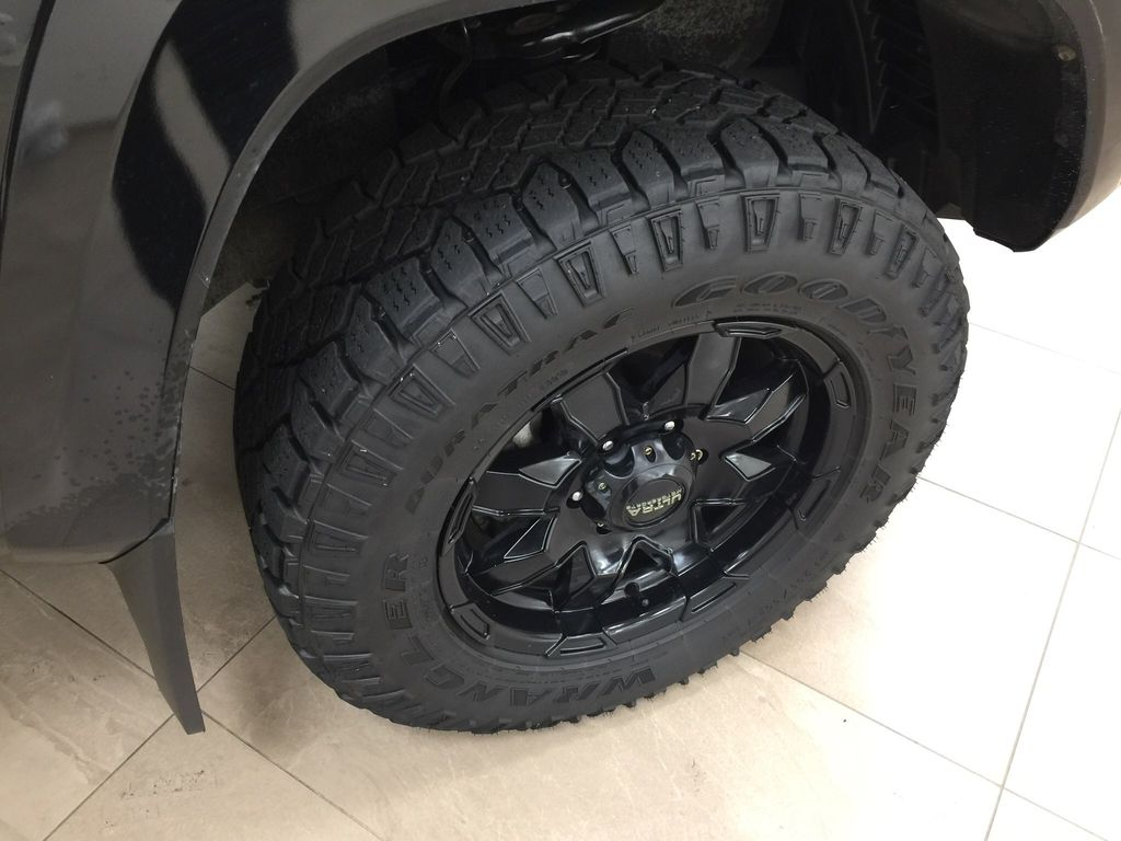 Black[Black] 2016 Toyota Tacoma TRD Sport Right Front Rim and Tire Photo in Sherwood Park AB