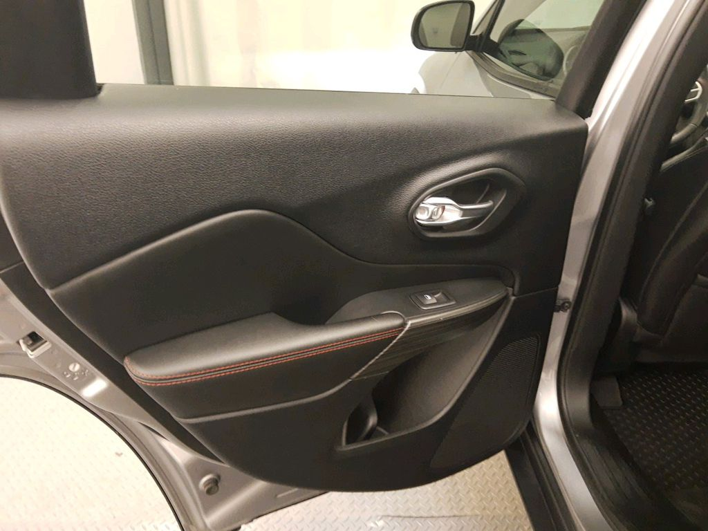 Steel 2017 Jeep Cherokee Central Dash Options Photo in Lethbridge AB