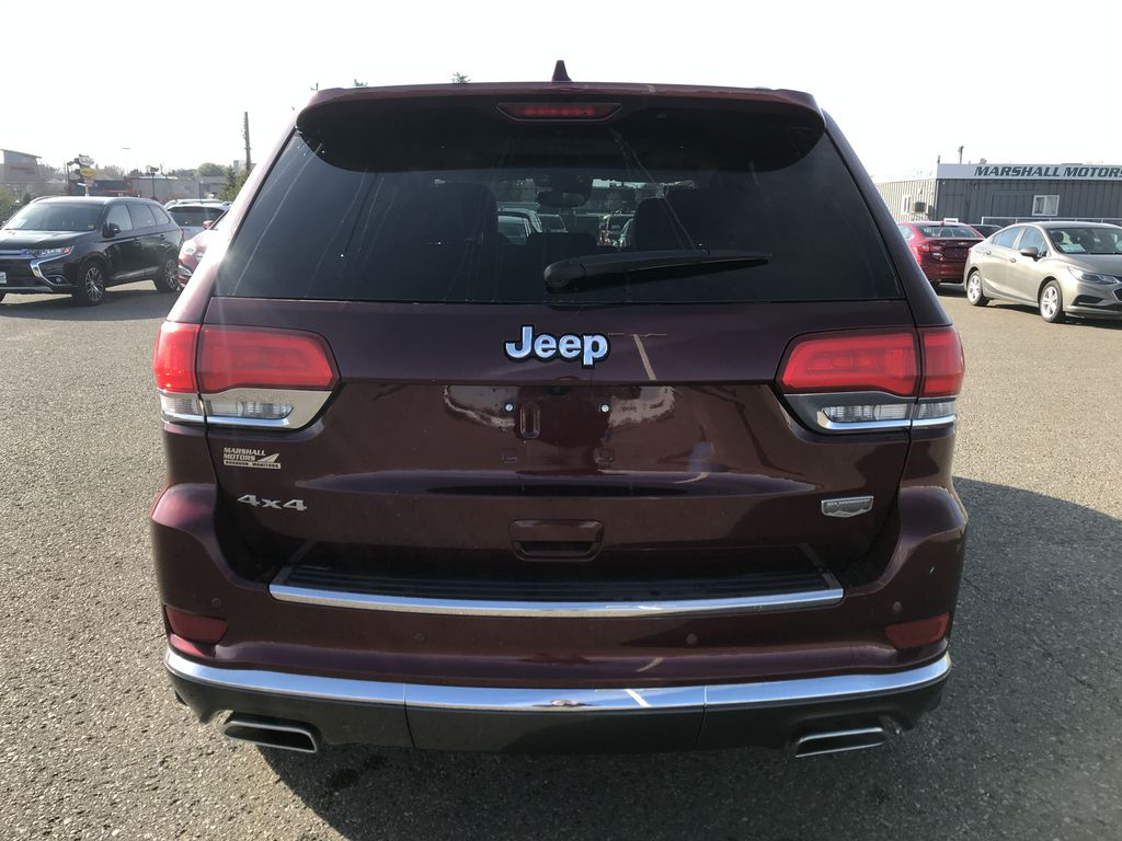 Red[Velvet Red Pearl] 2017 Jeep Grand Cherokee 4WD 4dr Summit *FULL LOAD* *67K MSRP* *Leather* Rear of Vehicle Photo in Brandon MB