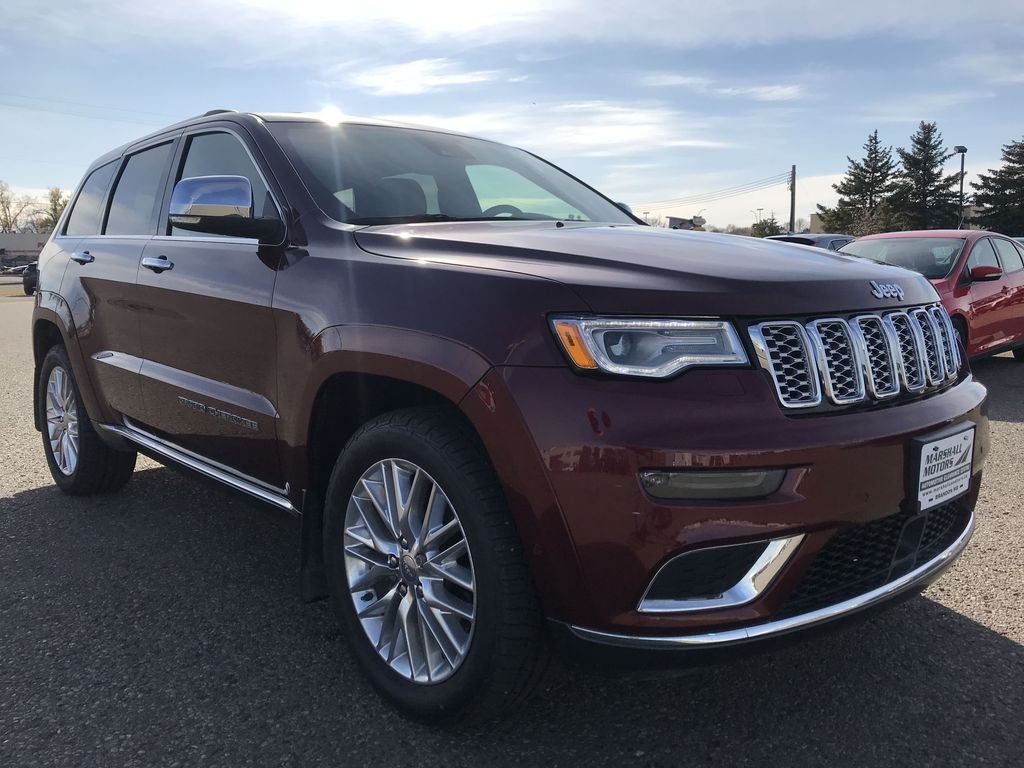 Red[Velvet Red Pearl] 2017 Jeep Grand Cherokee 4WD 4dr Summit *FULL LOAD* *67K MSRP* *Leather* Right Front Corner Photo in Brandon MB
