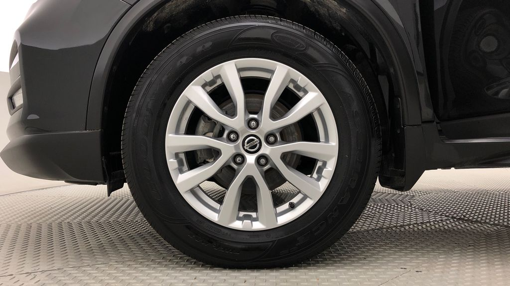 Black[Magnetic Black Metallic] 2018 Nissan Rogue SV AWD - Backup Camera, Heated Seats, Pano Roof Left Front Rim and Tire Photo in Winnipeg MB