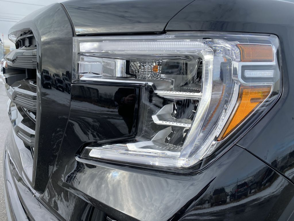 Black[Onyx Black] 2021 GMC Sierra 1500 Left Front Head Light / Bumper and Grill in Edmonton AB