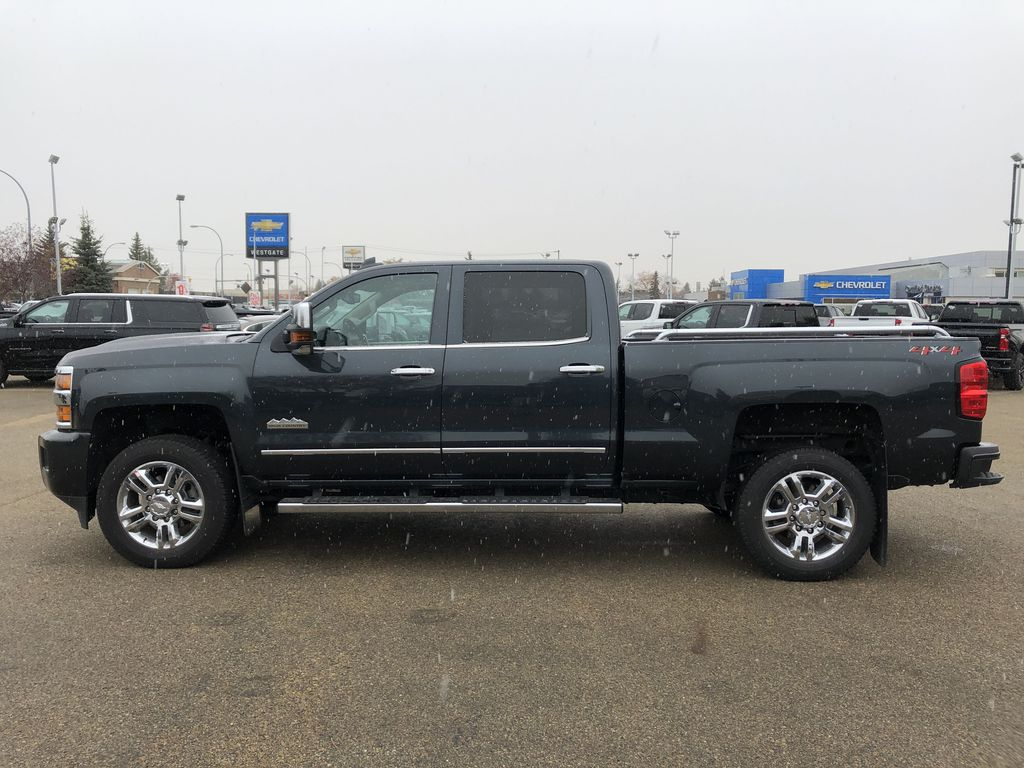Gray[Graphite Metallic] 2019 Chevrolet Silverado 2500HD Left Side Photo in Edmonton AB