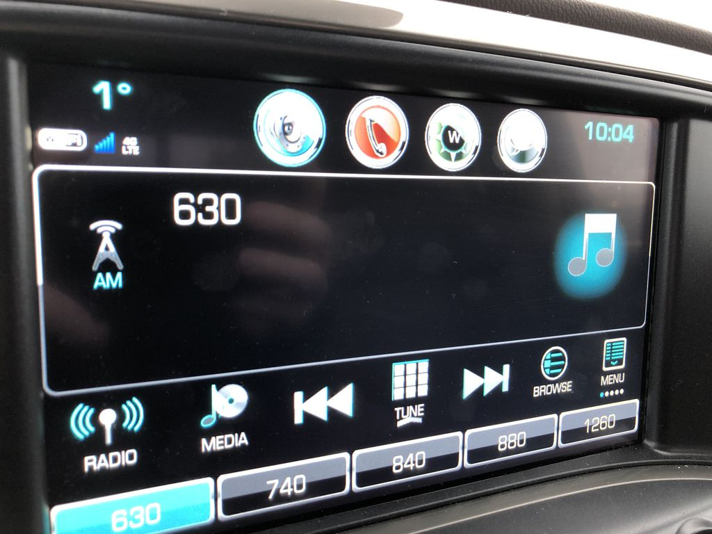 Gray[Graphite Metallic] 2019 Chevrolet Silverado 2500HD Radio Controls Closeup Photo in Edmonton AB