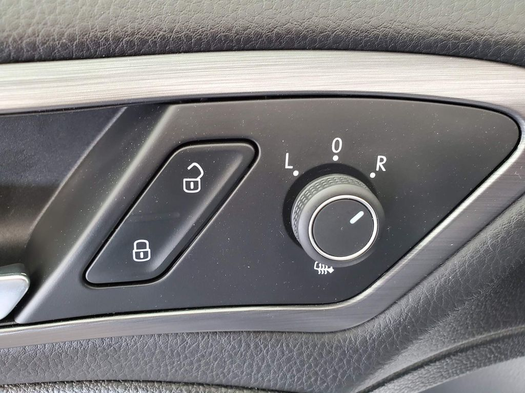 Silver 2019 Volkswagen Golf Sunroof Photo in Airdrie AB