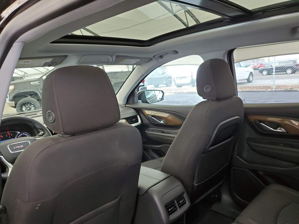 2020 GMC Terrain Apple Carplay/Android Auto Photo in Airdrie AB