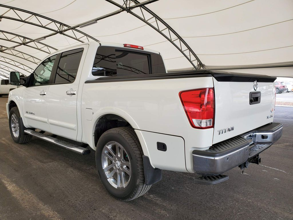 White 2014 Nissan Titan Right Rear Corner Photo in Airdrie AB