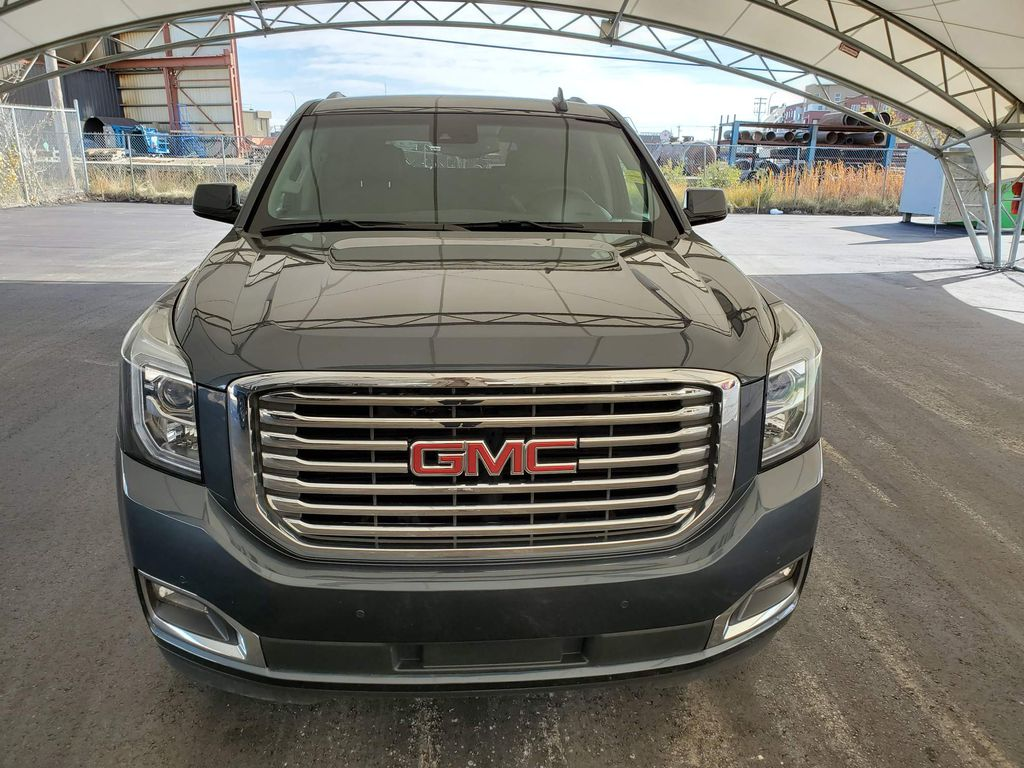 Grey 2020 GMC Yukon Left Front Corner Photo in Airdrie AB