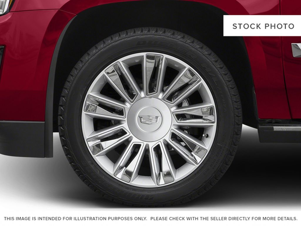 2016 Cadillac Escalade Left Front Rim and Tire Photo in Barrhead AB