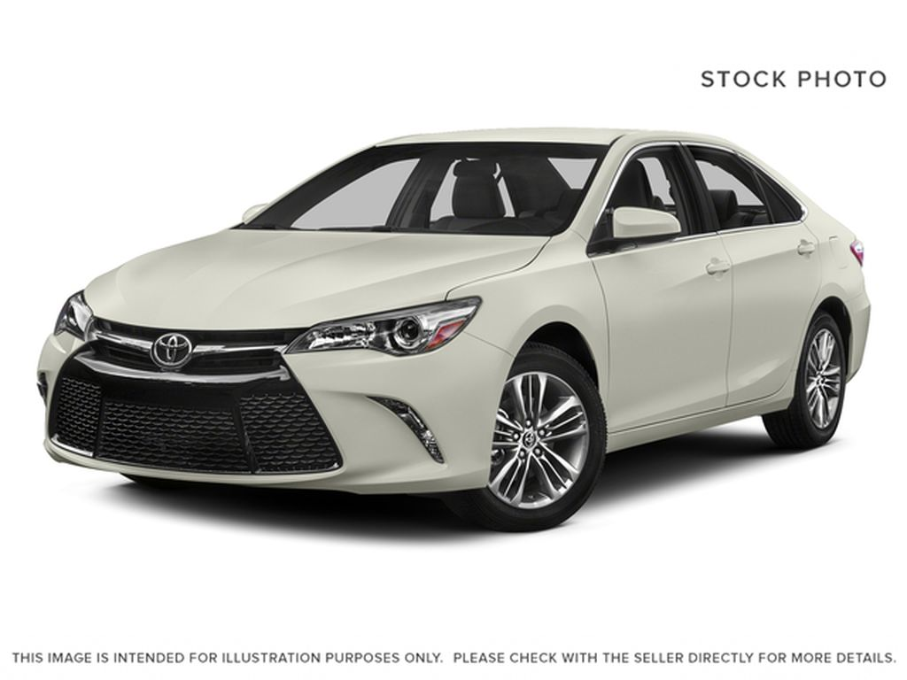 White[Blizzard Pearl] 2015 Toyota Camry