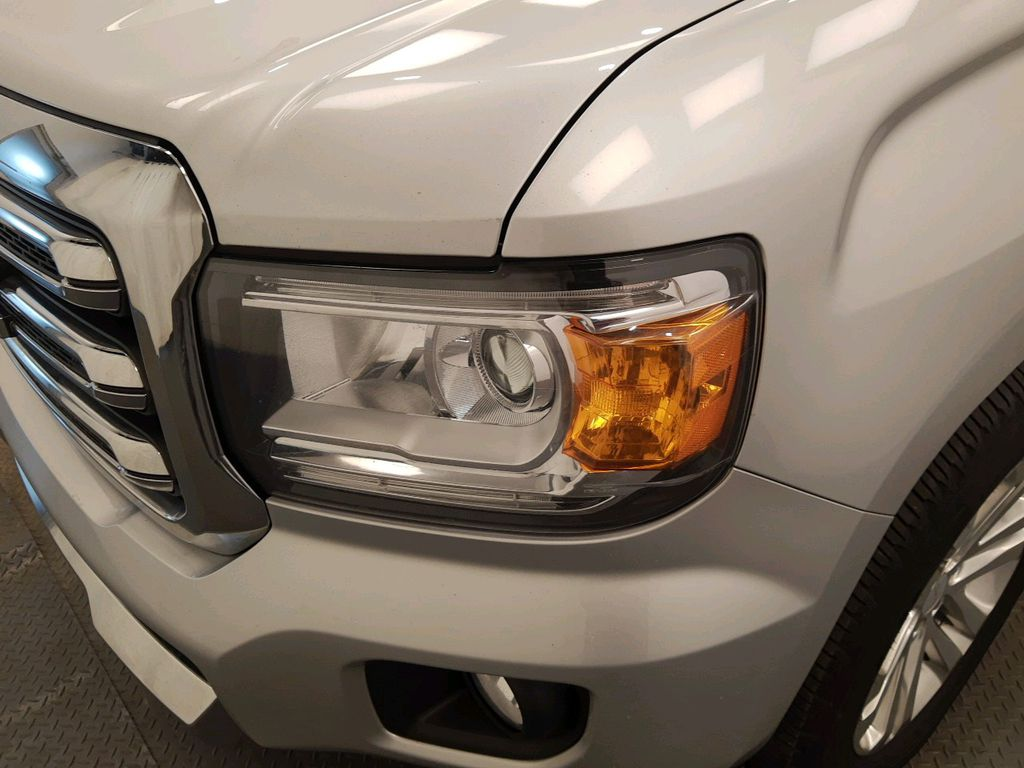 Silver 2017 GMC Canyon Front Vehicle Photo in Lethbridge AB