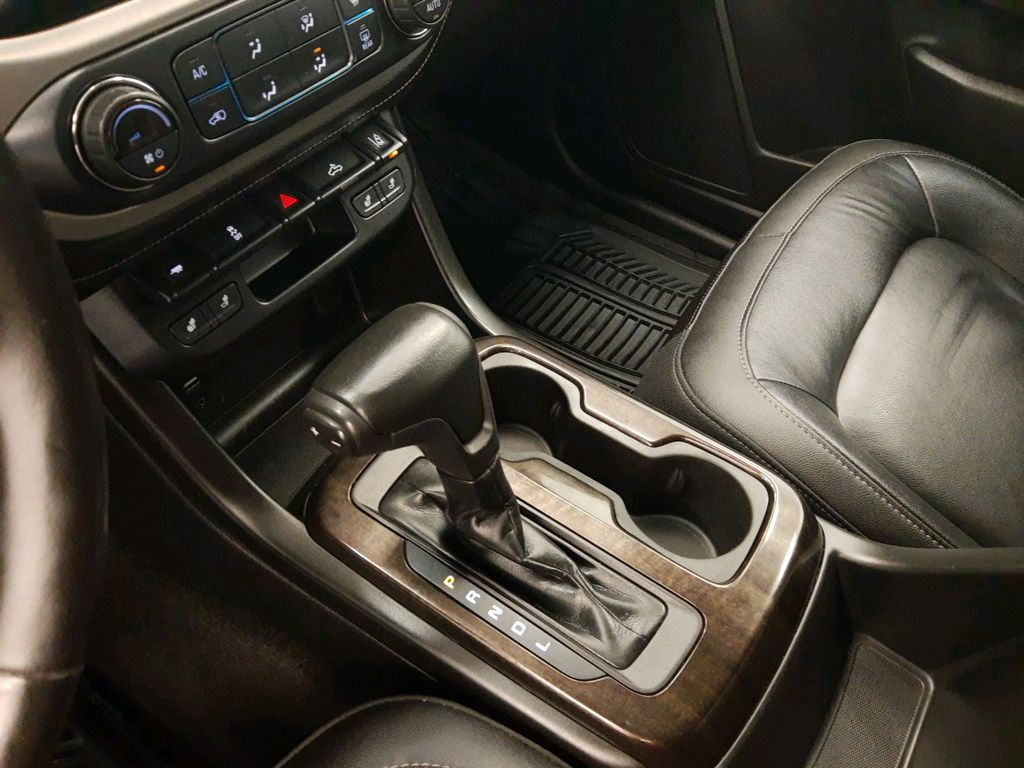 Silver 2017 GMC Canyon Central Dash Options Photo in Lethbridge AB