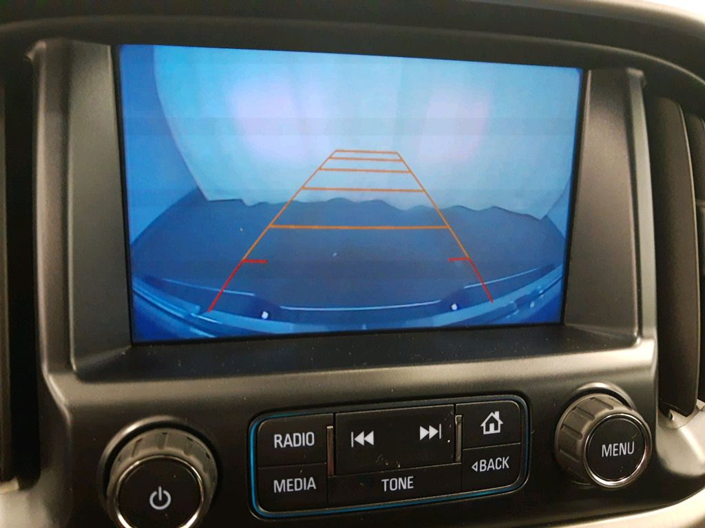 Silver 2017 GMC Canyon Steering Wheel and Dash Photo in Lethbridge AB