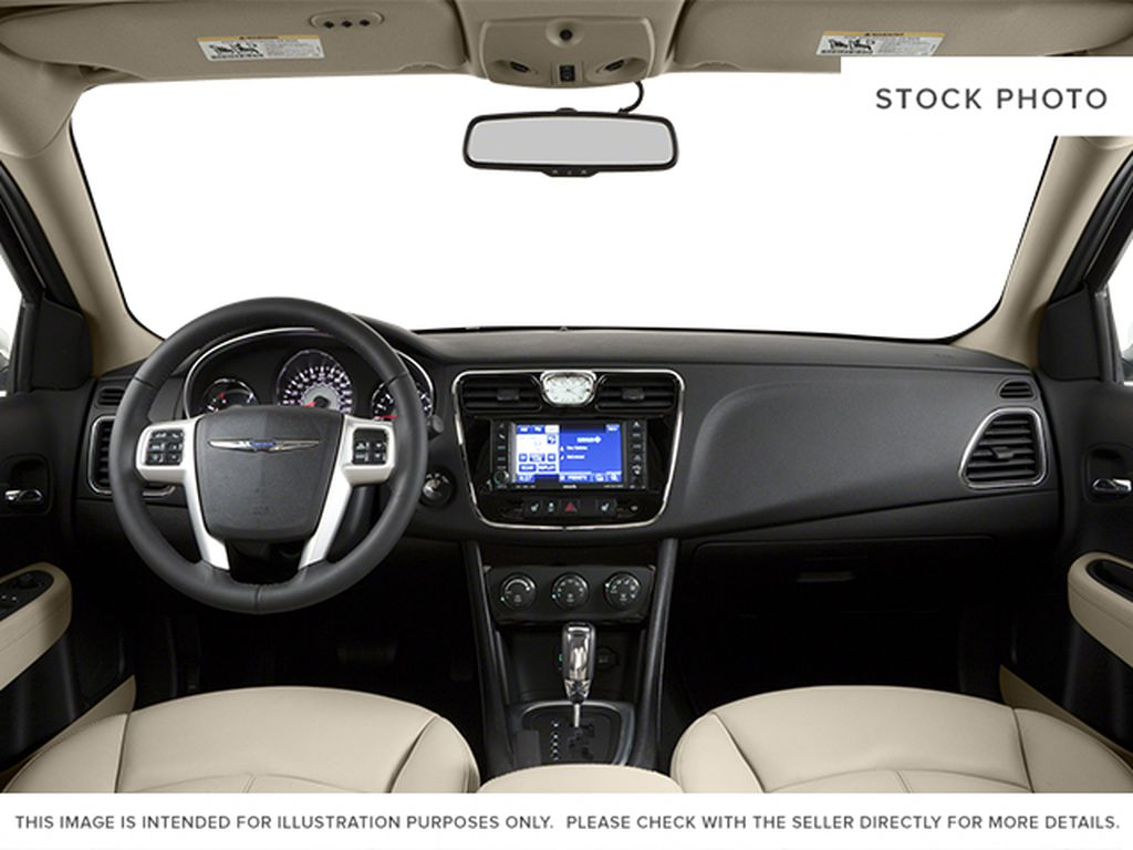 Silver[Billet Metallic Clearcoat] 2014 Chrysler 200 Central Dash Options Photo in Dartmouth NS