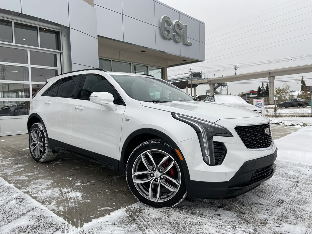 White[Crystal White Tricoat] 2021 Cadillac XT4 Sport