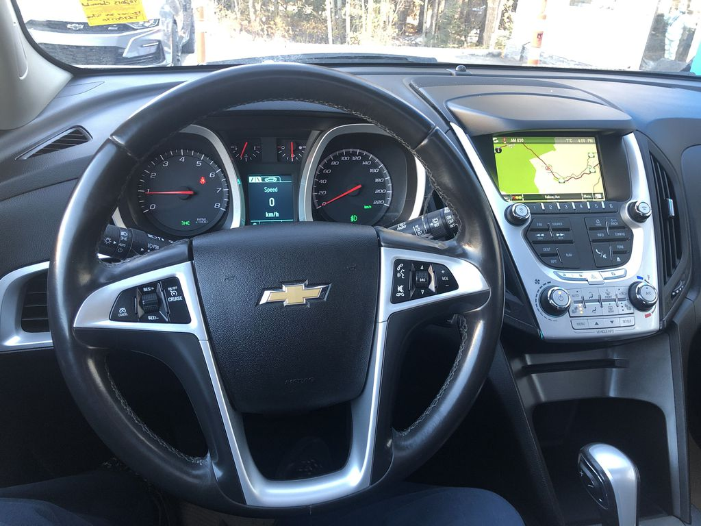 Gold[Champagne Silver Metallic] 2013 Chevrolet Equinox Steering Wheel and Dash Photo in Canmore AB