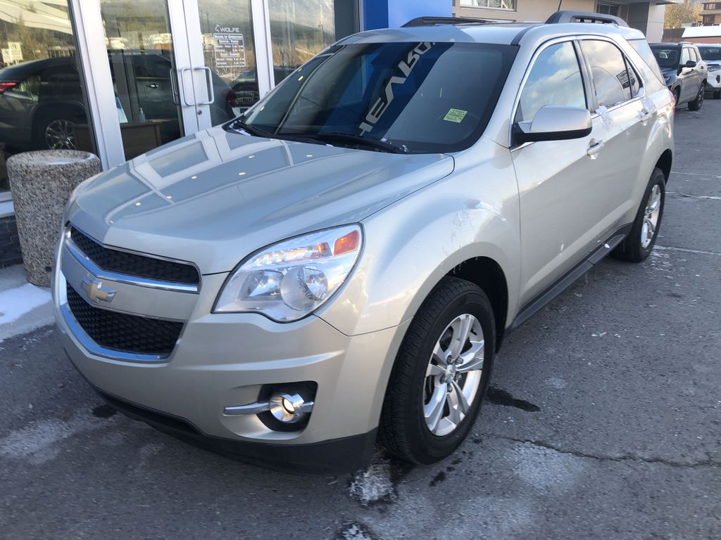 Gold[Champagne Silver Metallic] 2013 Chevrolet Equinox Left Front Corner Photo in Canmore AB