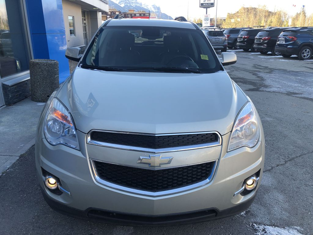 Gold[Champagne Silver Metallic] 2013 Chevrolet Equinox Front Vehicle Photo in Canmore AB