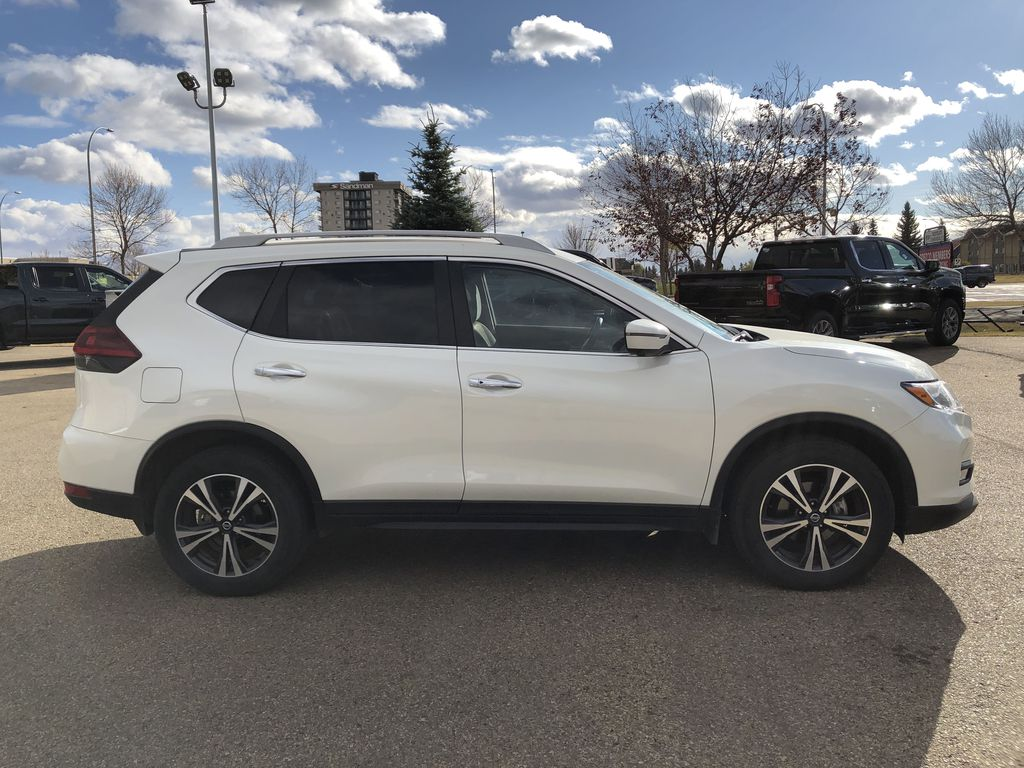 White[Glacier White] 2020 Nissan Rogue Right Side Photo in Edmonton AB