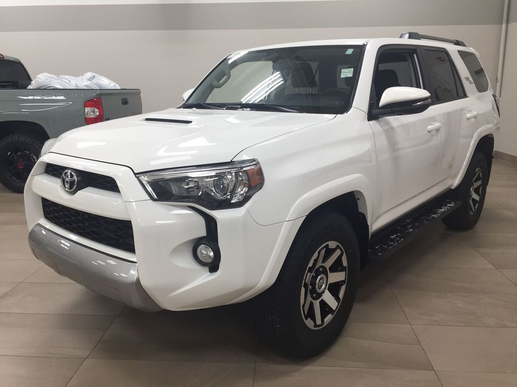 White[Summit White] 2019 Toyota 4Runner TRD OFF-ROAD 4X4 LOW KMS Left Front Corner Photo in Sherwood Park AB