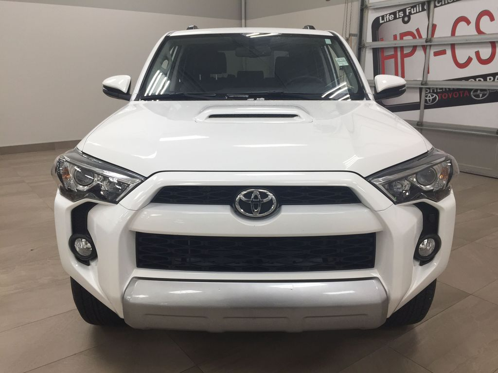 White[Summit White] 2019 Toyota 4Runner TRD OFF-ROAD 4X4 LOW KMS Front Vehicle Photo in Sherwood Park AB