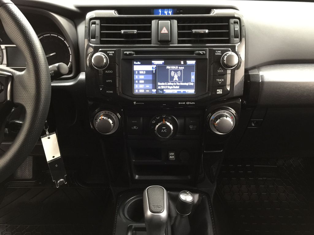 White[Summit White] 2019 Toyota 4Runner TRD OFF-ROAD 4X4 LOW KMS Central Dash Options Photo in Sherwood Park AB
