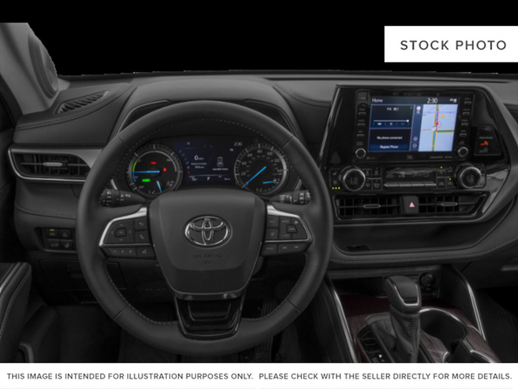 White[Blizzard Pearl] 2021 Toyota Highlander Hybrid XLE Steering Wheel and Dash Photo in Kelowna BC
