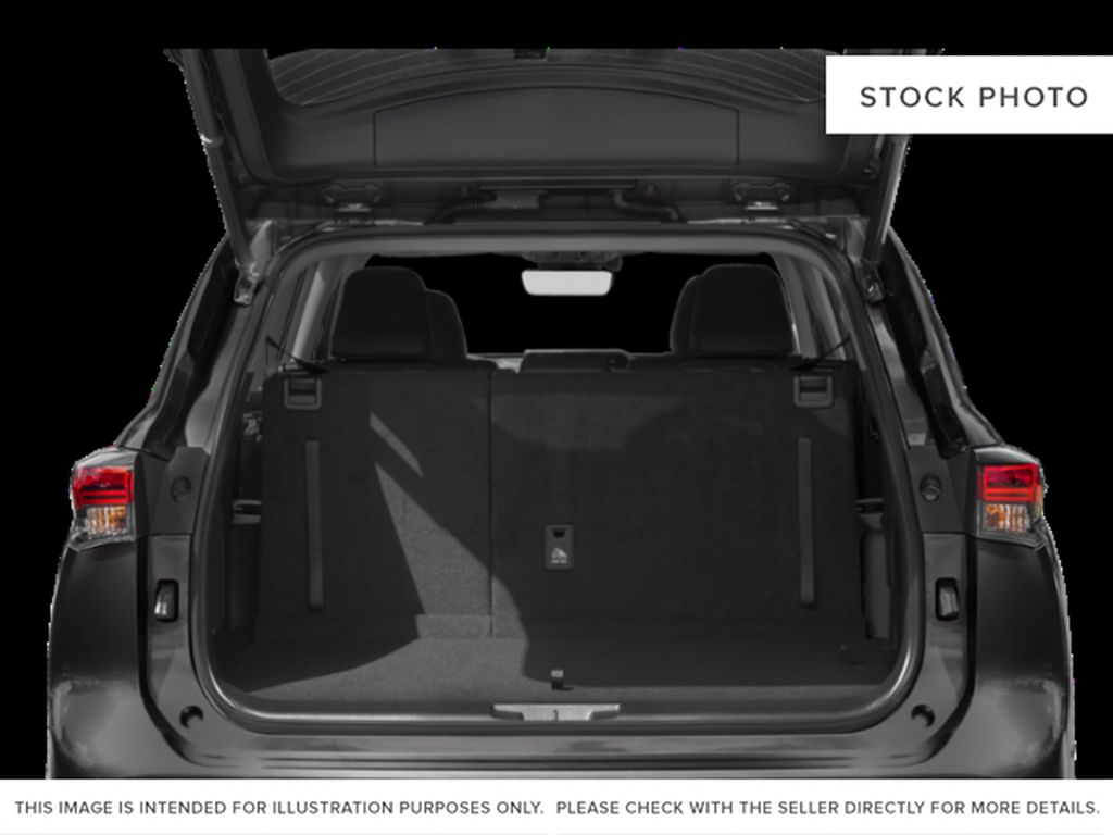 White[Blizzard Pearl] 2021 Toyota Highlander Hybrid XLE Trunk / Cargo Area Photo in Kelowna BC