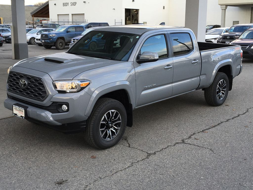 Gray[Cement] 2021 Toyota Tacoma 4WD Left Front Corner Photo in Kelowna BC
