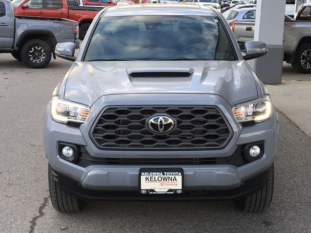 Gray[Cement] 2021 Toyota Tacoma 4WD Front Vehicle Photo in Kelowna BC