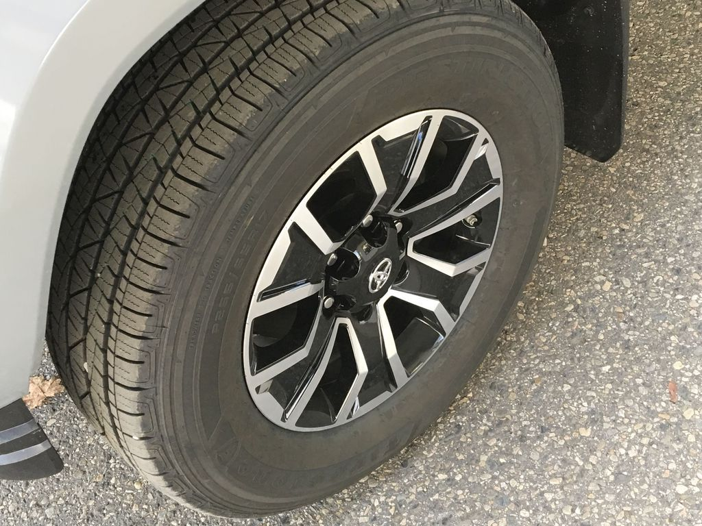 Gray[Cement] 2021 Toyota Tacoma 4WD Left Front Rim and Tire Photo in Kelowna BC