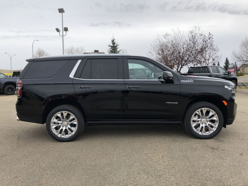 Black[Black] 2021 Chevrolet Tahoe Right Side Photo in Edmonton AB