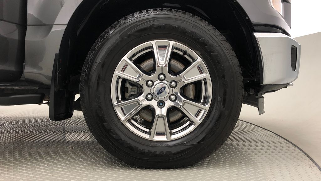 Gray[Magnetic] 2016 Ford F-150 XLT XTR 4WD - SuperCrew, V6, Running Boards Right Front Rim and Tire Photo in Winnipeg MB