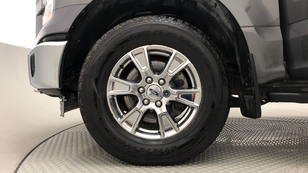 Gray[Magnetic] 2016 Ford F-150 XLT XTR 4WD - SuperCrew, V6, Running Boards Left Front Rim and Tire Photo in Winnipeg MB